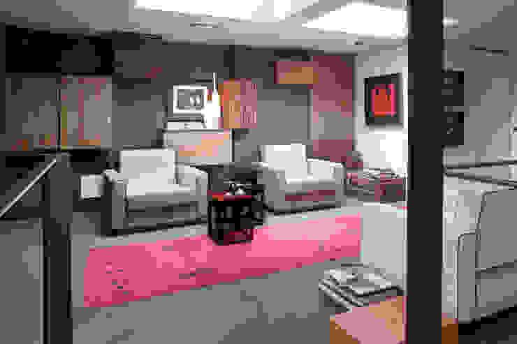 Matrix International srl Minimalist living room