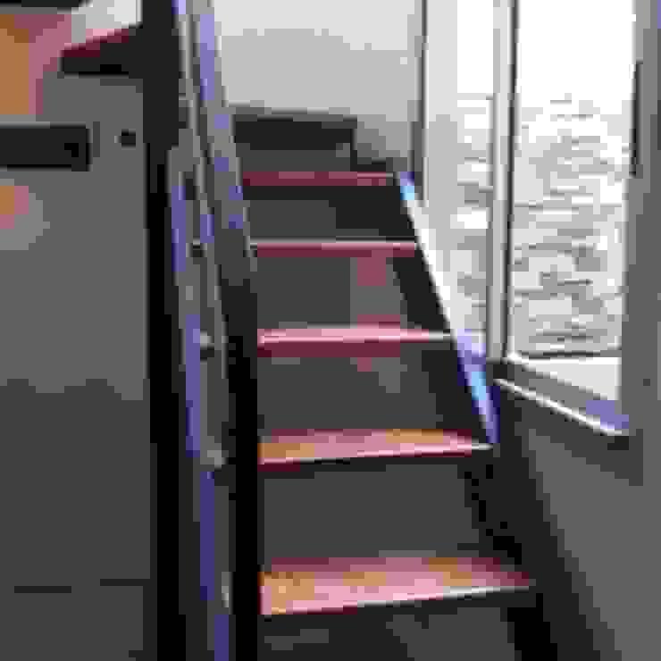 REMODELACION Y AMPLIACION PH BARRACAS, C.A.B.A Pasillos, vestíbulos y escaleras modernos de ARQUITECTA MORIELLO Moderno