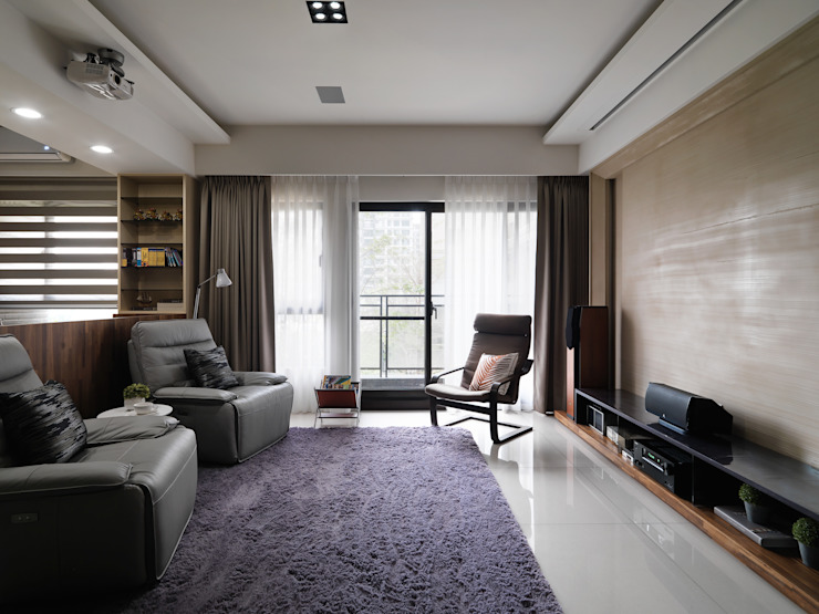 居家空間化身休閒影院 现代客厅設計點子、靈感 & 圖片 根據 星葉室內裝修有限公司 現代風