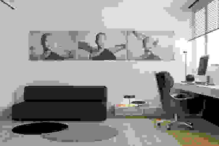 Estudios y despachos de estilo minimalista de Осейко Алексей и Виктория Minimalista