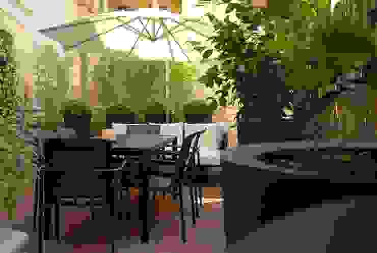 Balcones y terrazas de estilo moderno de studio 'dragora architettura e paesaggio Moderno