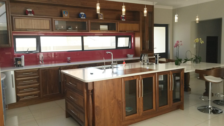 Modern semi solid kitchen Modern kitchen by SCD Group Modern Wood Wood effect