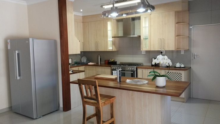 classic melamine kitchen by SCD Group Classic Wood Wood effect
