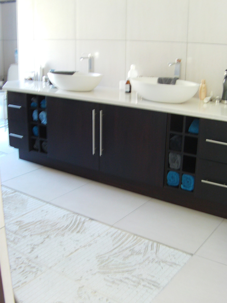 Bathroom vanity Classic style bathroom by SCD Group Classic Wood Wood effect