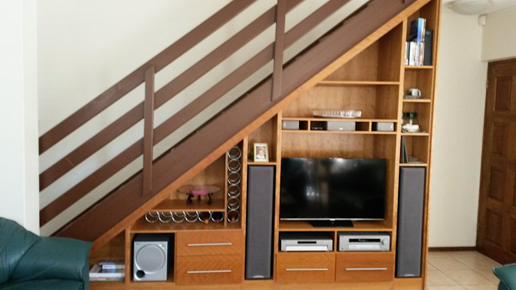 Staircase tv unit:  Corridor & hallway by SCD Kitchens