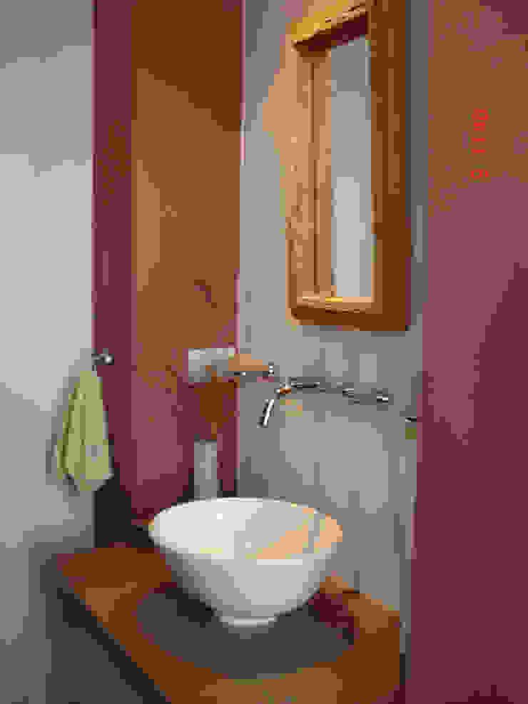 Baños de estilo clásico de ARQUITECTA MORIELLO Clásico