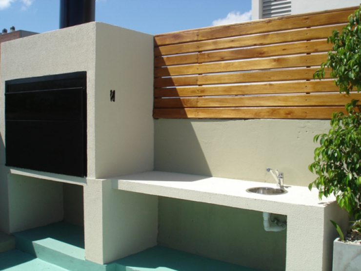 Balcones y terrazas de estilo clásico de ARQUITECTA MORIELLO Clásico