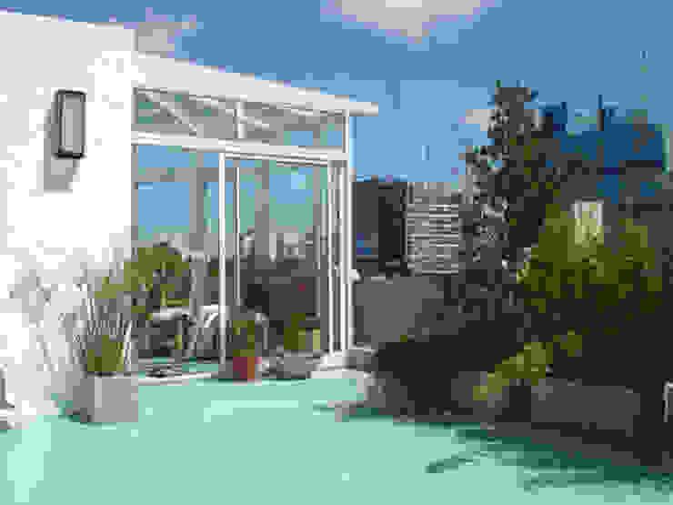 REMODELACION Y AMPLIACION PH EN PALERMO - BUENOS AIRES Balcones y terrazas clásicos de ARQUITECTA MORIELLO Clásico