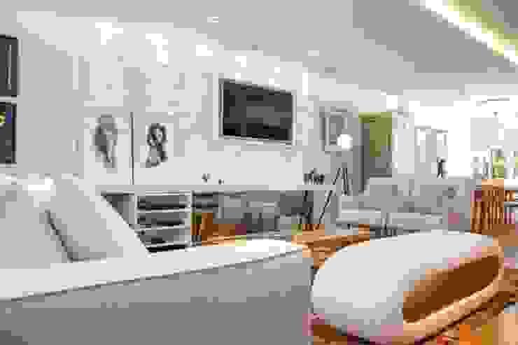 Modern living room by MAGEN | Revestimentos Cimentícios Modern Concrete