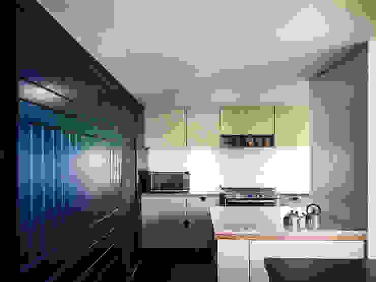 モダンな キッチン の Sentido Arquitectura モダン