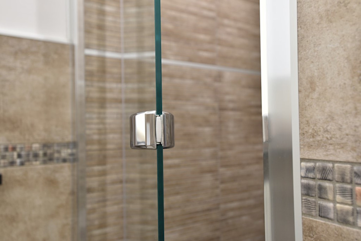 Modern bathroom by architetto Davide Fornero Modern Glass