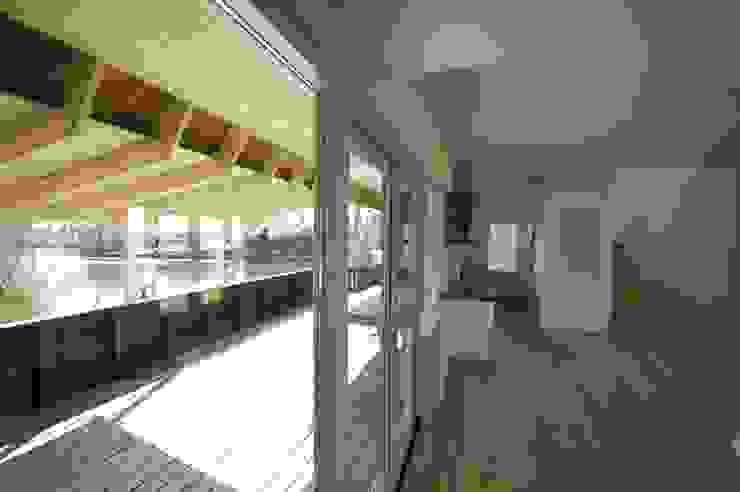 terras en keuken Moderne eetkamers van ARK+ Modern