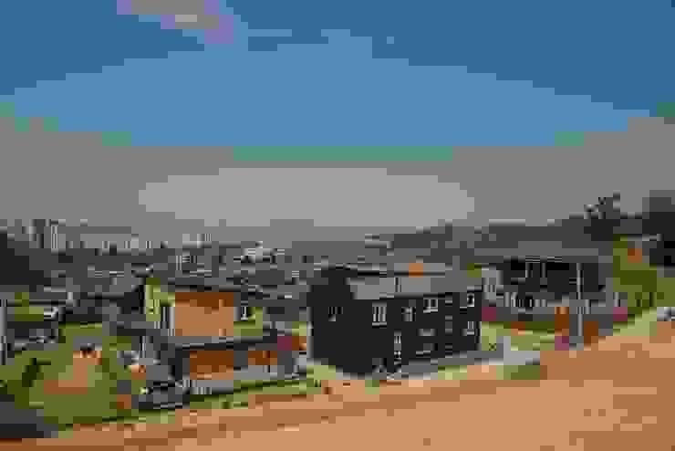 Modern houses by 구름집 02-338-6835 Modern Metal