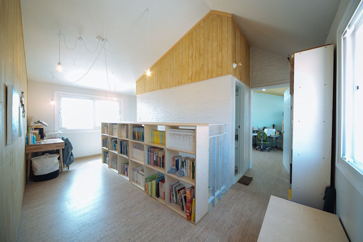 Modern living room by 구름집 02-338-6835 Modern Wood Wood effect