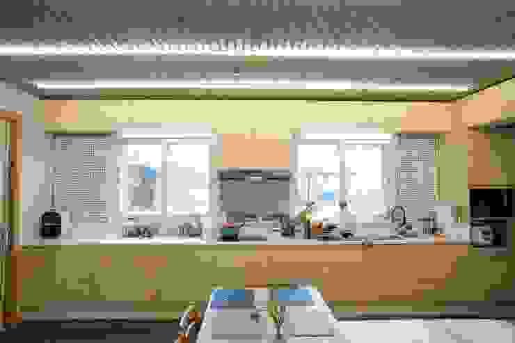 Cocinas de estilo moderno de 구름집 02-338-6835 Moderno Madera Acabado en madera