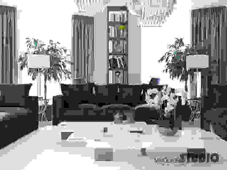 Ruang Keluarga Klasik Oleh MIKOŁAJSKAstudio Klasik