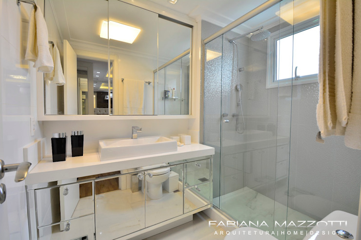 Baños modernos de Fabiana Mazzotti Arquitetura e Interiores Moderno