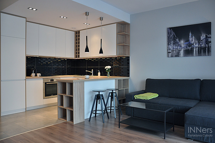Kitchen by INNers - architektura wnętrza,