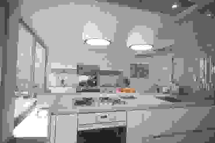 Modern kitchen by Ivan Rivoltella Modern
