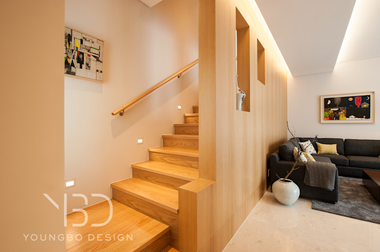 집에 들어서면 보이는 mass 모던스타일 복도, 현관 & 계단 by 영보디자인 YOUNGBO DESIGN 모던