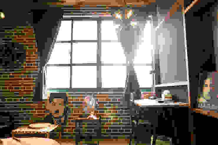 走進福爾摩斯 Baker Street 貝克街的英倫套房 根據 Lee Design International 空間&室內設計 現代風 金屬