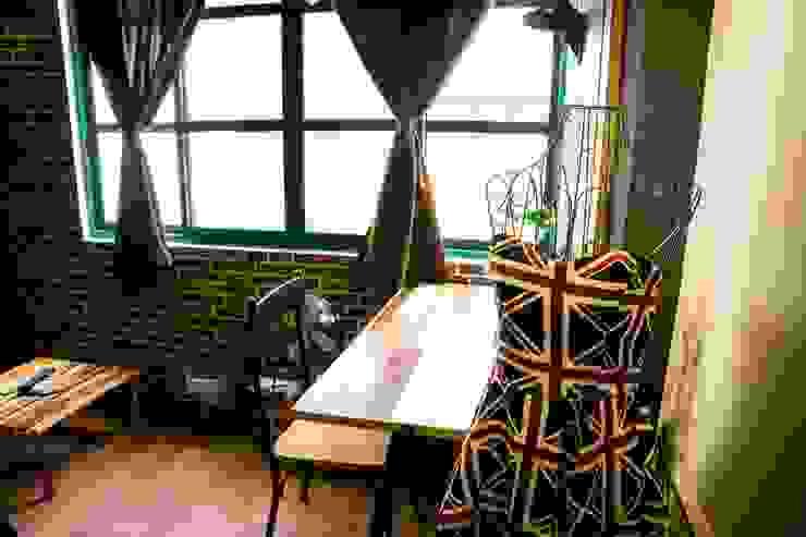 走進福爾摩斯 Baker Street 貝克街的英倫套房 根據 Lee Design International 空間&室內設計 北歐風 金屬