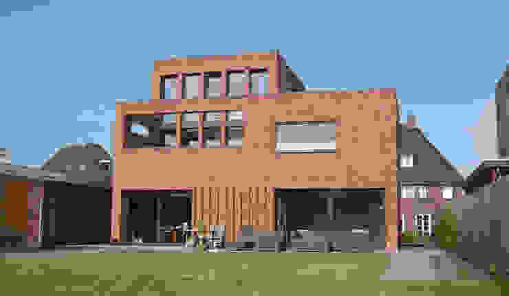 Woning Waterrijk Woerden Moderne huizen van Architectenbureau van den Hoeven b.v. Modern Steen