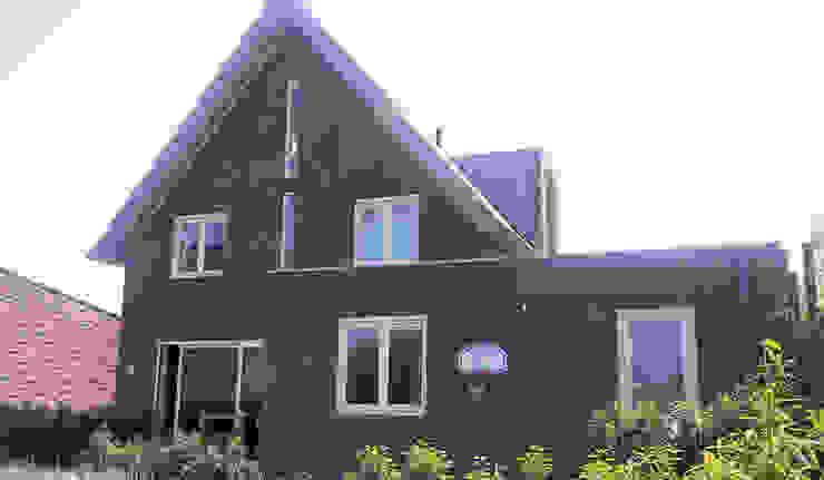 Modern Houses by Architectenbureau van den Hoeven b.v. Modern