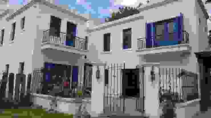 Casas clásicas de Rocha & Figueroa Bunge arquitectos Clásico