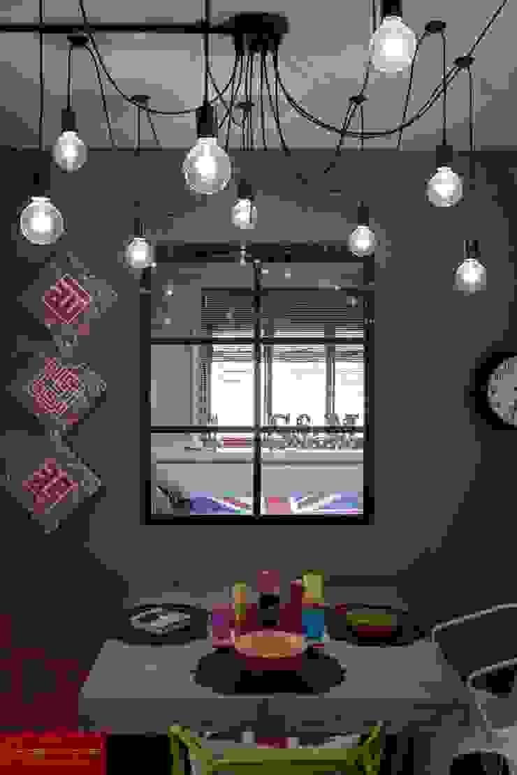 JELAPANG ROAD (BLOCK 502)—Posh Home Minimalist bedroom by Posh Home Minimalist