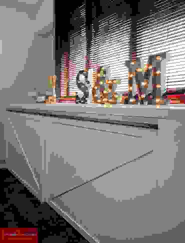 JELAPANG ROAD (BLOCK 502)—Posh Home Minimalist corridor, hallway & stairs by Posh Home Minimalist