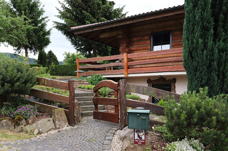 Haus Racoon Hill das holzhaus Oliver Schattat GmbH Rustikale Häuser