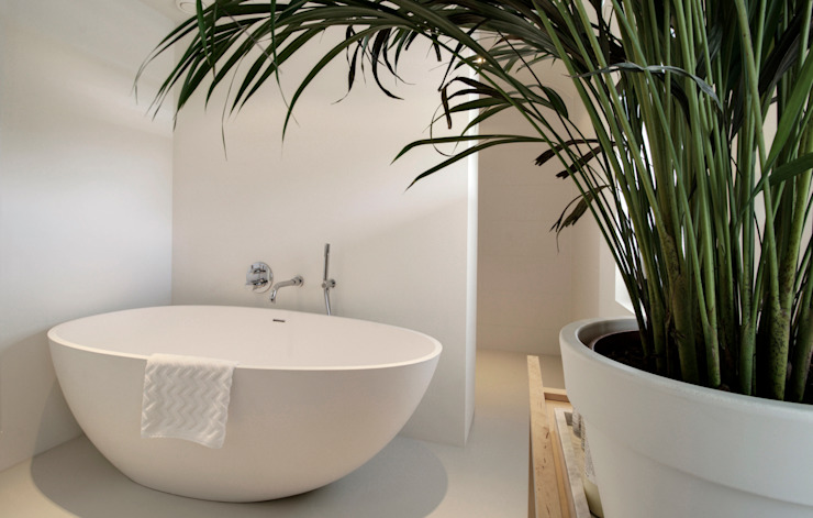 Modern bathroom by CHORA architecten Modern