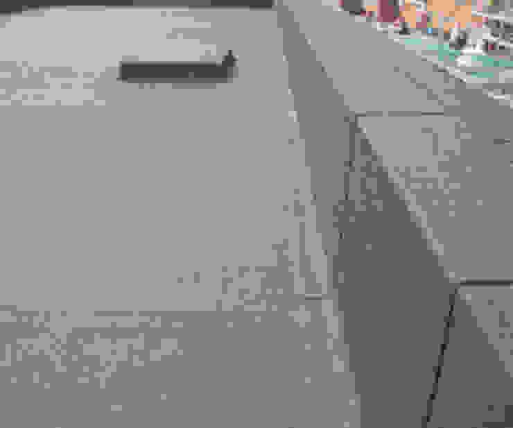 Impermeabilizzazione terrazzo, tetto, balconi a Roma GM Tecnoedil Pareti & Pavimenti in stile classico