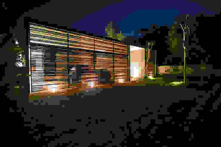 PM Modern Houses by FGO Arquitectura Modern Aluminium/Zinc