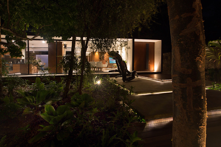 PM Modern Houses by FGO Arquitectura Modern Concrete