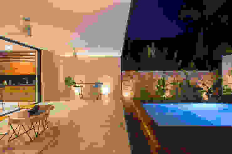 PM Modern Terrace by FGO Arquitectura Modern Concrete