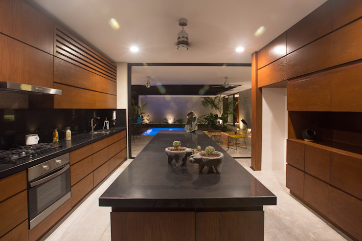 Modern kitchen by FGO Arquitectura Modern Wood Wood effect