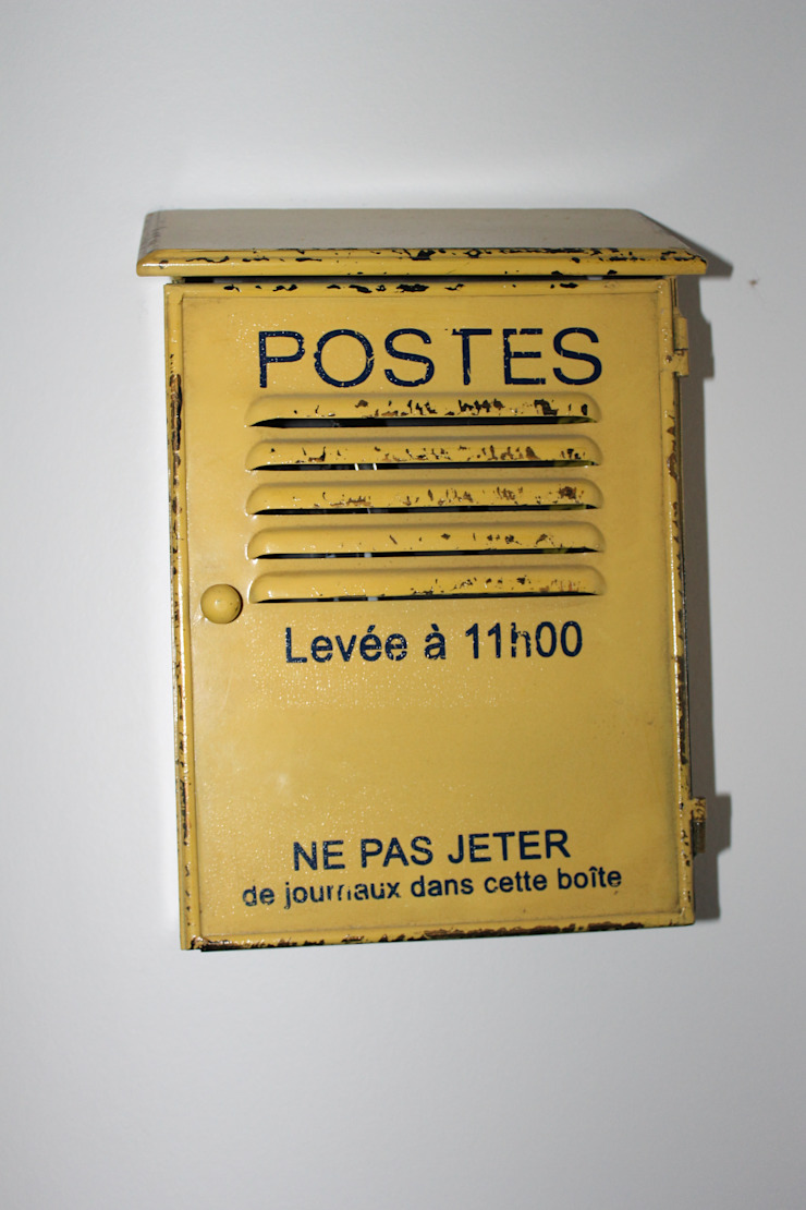 décoration boite aux lettres Chambre moderne par Agence ADI-HOME Moderne