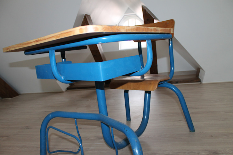 COMBLES A STRASBOURG Chambre d'enfant moderne par Agence ADI-HOME Moderne