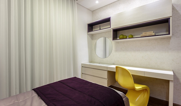 JANAINA NAVES - Design & Arquitetura Eclectic style bedroom MDF Yellow