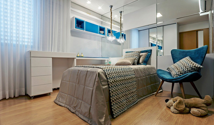 JANAINA NAVES - Design & Arquitetura Eclectic style bedroom MDF Blue