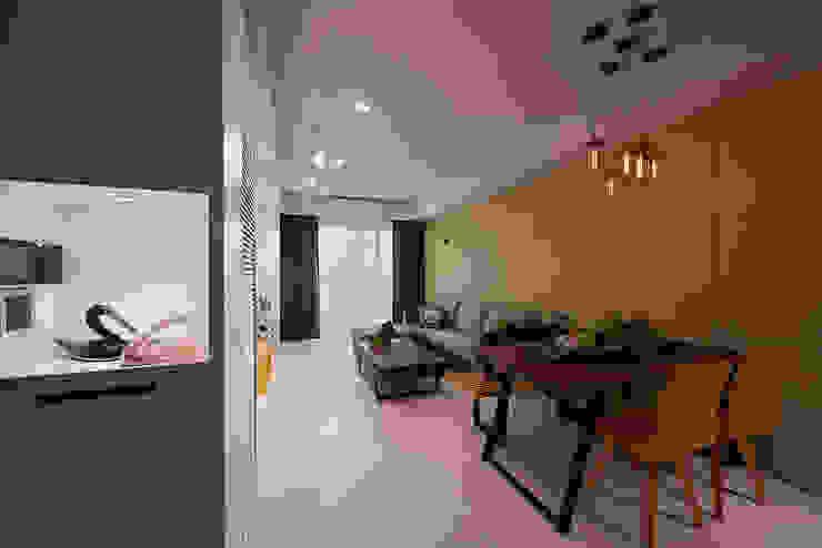 Hành lang, sảnh & cầu thang phong cách hiện đại bởi 趙玲室內設計 Hiện đại