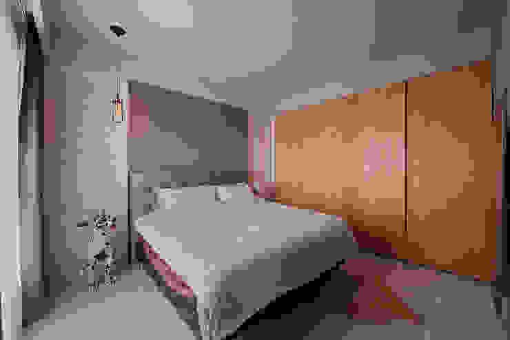 Phòng ngủ phong cách hiện đại bởi 趙玲室內設計 Hiện đại