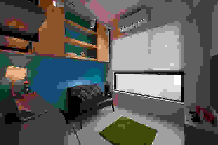Phòng học/văn phòng phong cách hiện đại bởi 趙玲室內設計 Hiện đại