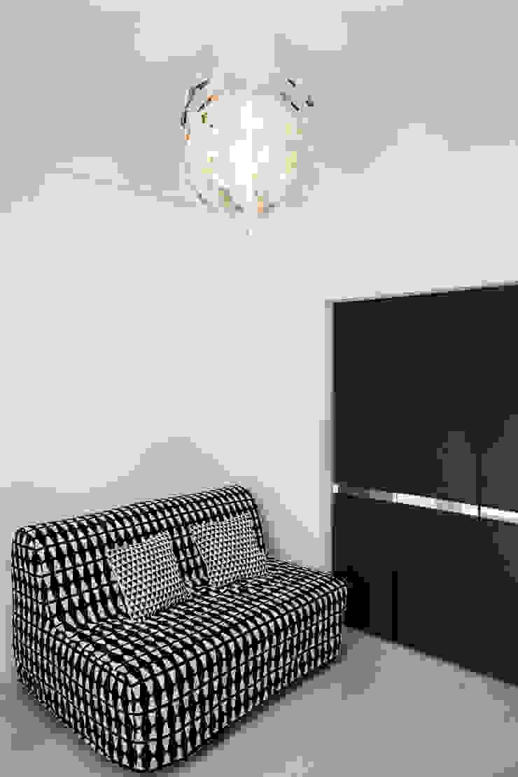 Polihouse Studio minimalista di Luca Bucciantini Architettura d' interni Minimalista