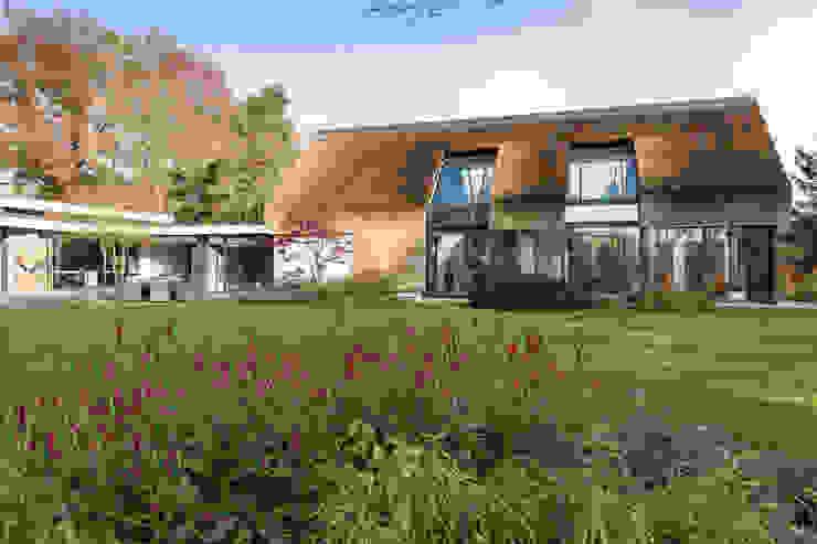 Totaalconcept Villa te Oisterwijk Moderne balkons, veranda's en terrassen van Drijvers Oisterwijk bv Modern Keramiek