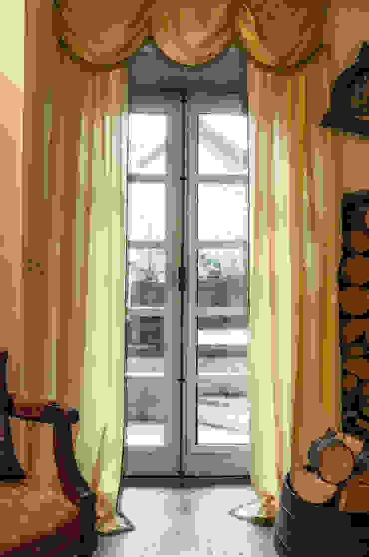 L'Antica s.a.s. Puertas y ventanas de estilo moderno