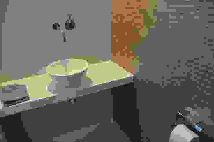 Totaalconcept Villa te Oisterwijk: modern  door Drijvers Oisterwijk bv, Modern Keramiek