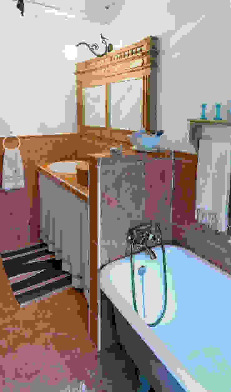 Modern Bathroom by L'Antica s.a.s. Modern
